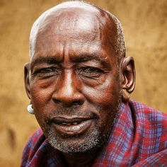 Portrait of an old Maasai Man in Narok CountyKenya.  #maasai #maasaitribe #masai #kenyan #africa #people #culture #travel #tradition #africanportraits #tasteofafrica #travelphotography #igkenya #africanlife #loves_africa #canon60d #discovery #tourism #afrika #photooftheday #kenya #photojournalism #africanamazing #turkishphotographers #life_portraits #fotografheryerde by rcpcanik @enthuseafrika
