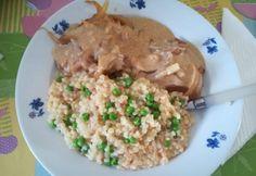 Hagymás sertésszelet zöldborsós tarhonyával Meat, Chicken, Food, Essen, Meals, Yemek, Eten, Cubs
