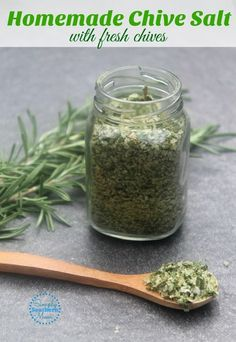 This easy homemade chive salt uses fresh chives from the garden. With only two ingredients you can whip up a batch quickly! It tastes so good on potato dishes! Herb Salt Recipe, No Salt Recipes, Herb Recipes, Canning Recipes, Healthy Recipes, Recipes With Chives, Thyme Recipes, Smoker Recipes, Milk Recipes