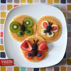 Fun Pancake Designs Cute Pancake Designs Squeeze Bottle Pancakes Pancake Art Eggo Waffles and Pancakes Food Art For Kids, Fun Snacks For Kids, Cute Food, Good Food, Yummy Food, Pancake Designs, Baby Food Recipes, Cooking Recipes, Kids Menu