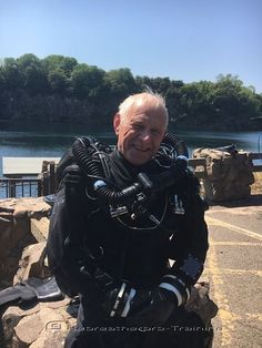 Congratulations to John Collins who completed two try dives today on two different rebreathers :-) First dive was on the JJ-CCR and the second was on the SF2. Which one will he choose, who knows, we have to wait and see ;-) I hope this is the start of the silent world for you !!  http://www.rebreatherpro-training.com/News-diving/Congratulations-to-John-who-completed-two-try-dives-today-on-two-different/187