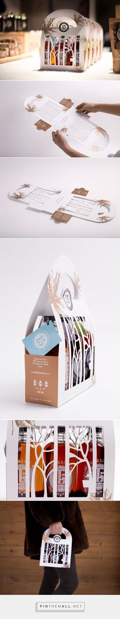 Domaine des 15 lots maple syrup packaging design by Bzoing design + créativité - http://www.packagingoftheworld.com/2017/01/domaine-des-15-lots.html