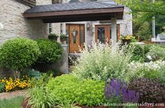 front yard makeover from confessions of a serial diyer Garden Inspiration, Garden Ideas, Garden Fun, Outside Living, Garden Landscape Design, Garden Borders, Urban Farming, Front Yard Landscaping, Summer Wreath