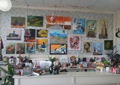 Pasiunea pentru pictura este motorul expozitiilor de pictura a comunitatii Taberei de pictura Hobby Art, prin noul vernisaj la Decodepot.