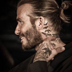 David Beckham not aging so gracefully David Beckham Neck Tattoo, Tatuajes David Beckham, David Beckham Haircut, David Beckham Style, Angel Back Tattoo, Side Neck Tattoo, Neck Tattoo For Guys, Tattoos For Guys, Tattoos 3d