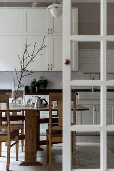Classic Stockholm apartment, scandinavian interior. Svartensgatan 5 A | Fantastic Frank