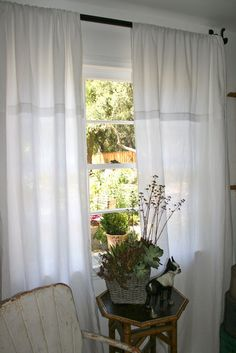 the Polished Pebble: Simple Linen Curtains