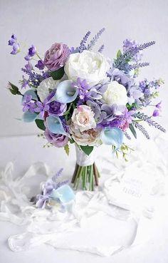 New Wedding Colors Purple Floral Arrangements 46 Ideas Purple Wedding Bouquets, Lavender Bouquet, Bride Bouquets, Flower Bouquet Wedding, Floral Bouquets, Floral Wedding, Wedding Colors, Trendy Wedding, Wedding Ideas