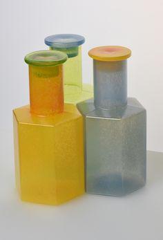 Markku Salo - Myyntikokoelmat: sarjatuotteet Bottles And Jars, Glass Bottles, Perfume Bottles, Glass Design, Design Art, Museum Collection, Finland, Scandinavian, Glass Art
