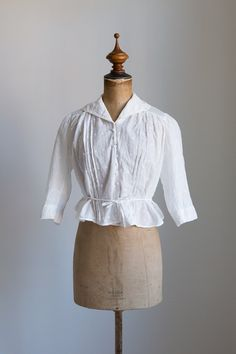 1910s Victoriaanse geborduurde katoenen blouse door FlowersOfTheMeadow op Etsy…