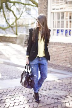 After Style Comes Fashion: Outfit of the day - baggy jeans