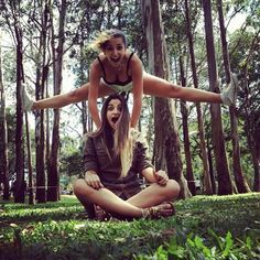 picture ideas with a friend - Google Search