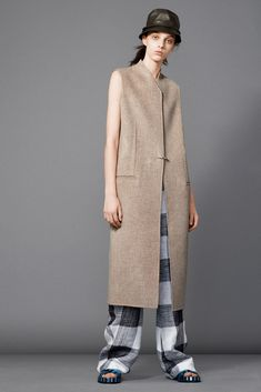 See the complete Acne Studios Resort 2015 collection.