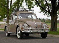 Learn more about Impressive Build: 1970 Volkswagen Baja Bug on Bring a Trailer, the home of the best vintage and classic cars online. Beetles Volkswagen, Volkswagen Beetle Vintage, Volkswagen Bus, Ferdinand Porsche, My Dream Car, Dream Cars, Vw For Sale, Carros Vw, Vw Camping