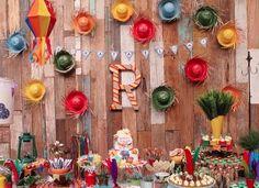 Decoração de Festa Junina   Ideias criativas e super charmosas para o São João Farm Themed Party, Farm Party, Girl Birthday, Happy Birthday, Birthday Parties, Some Ideas, Decoration, Party Planning, Party Themes