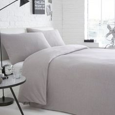 This simple bed linen from our best buy range comes in grey melange jersey for comfort.