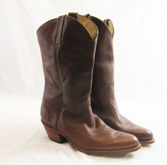 6ce9f8809efb Frye leather cowboy boots vintage 1980s 13 D mens pull on campus western  EUC   30.00