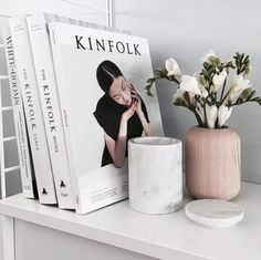 A beautiful addition to any home, The Kinfolk Home founder Nathan Williams showcases how embracing the ethos of slowing down, simplifying your life, and cultivating community allows you to create a more considered, beautiful, and intimate living space ✖️