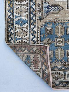 Vintage Caucasian ru