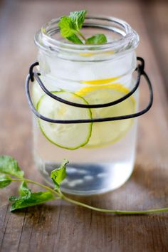 lemon mint cucumber water