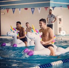 England team chill by having their imfamous Inflatable-Unicorn Races! England National Team, England Fans, Jesse Lingard, World Cup Russia 2018, England Football, Man United, Coming Home, Favorite Person, Low Key