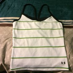 Under Armour Tank! Large! Great Condition! Could Fit Medium! Great For Working Out! Make An Offer! Under Armour Tops Tank Tops