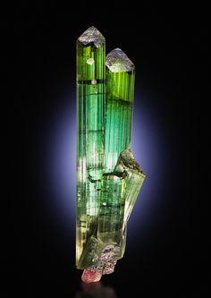 Tourmaline - 5600€ -  Pederneira Mine, São José da Safira, Doce valley, Minas Gerais, Brazil Size: 9.2 x 2.6 x 2.5 cm