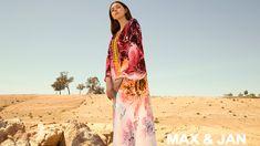 Le concept store Max&Jan fait découvrir la mode marocaine au cœur du désert. Sortez de l'ombre où que vous alliez au Maroc. . . . #Max&Jan #Conceptstore #Marrakech #Sahara #lookSahara Ethnic Fashion, Marrakech, Kimono Top, African, Unique, Collection, Morocco, Fashion Styles, Tribal Fashion