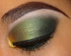 Gold to green to black eyeshadow