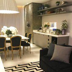 Quando a varanda gourmet se torna uma bela sala de jantar!  Amei! Inspiração via @almocodesexta  Projeto Vanessa Martins Via @maisdecor_  www.homeidea.com.br  Face: /homeidea  Pinterest: Home Idea #homeidea #arquitetura #ambiente #archdecor #archdesign #projeto #homestyle #home #homedecor #pontodecor #varandagourmet #photooftheday #interiordesign #interiores #picoftheday #decoration #revestimento  #decoracao #architecture #archdaily #inspiration #project #regram #friday #casa…