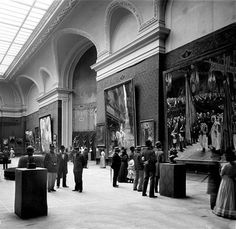 Exposition universelle de 1900, Paris. Section de la peinture française au Grand Palais. © Léon et Lévy / Roger-Viollet