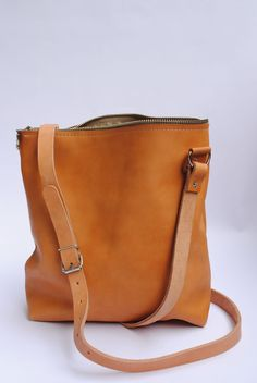Umhängetasche aus Leder // Brown leather bag by june-shop via DaWanda.com