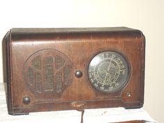 Knight Table Radio $100.00