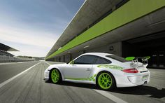 Porsche with green on it...it's got me written all over it hahaha