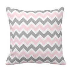 Soffan för dekoren för rosa- och grå färgsparren kuddar