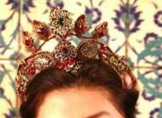 #TheMagnificentCentury  #ValideSultan  #Crowns