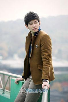 Asian Celebrities, Asian Actors, Korean Actors, Celebs, Kyun Sang, Krystal Jung, Korean Drama Movies, Korean Men, Beautiful Boys