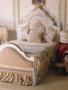 miniature bedroom by Maritza Moran by dorthy