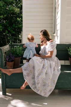 Gal Meets Glam A Dreamy Block Print Dress featuring a selection of Julia's favorite block printed mini, midi, and maxi dress styles to wear this season. Gal Meets Glam, Cute Family, Baby Family, Future Mom, Inspiration Mode, Mommy And Me, The Dress, Baby Love, Cute Babies