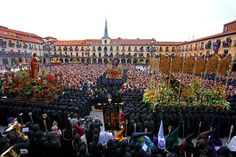 Vivir la Semana Santa leonesa http://www.revcyl.com/web/index.php/cultura-y-turismo/item/9007-vivir-la-sem