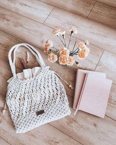 """Justyna Broźna I BOHO handmade zamieścił(a) post na Instagramie: """"Macrame Shopper Bag XL już w drodze do Izy 🌼  Jeśli też chcesz taką - napisz wiadomość 📥 💕 🌿 Cena:…"""" • Zobacz wszystkie zdjęcia i filmy na profilu @bloomart.handmade. Straw Bag, Burlap, Kate Spade, Reusable Tote Bags, Boho, Hessian Fabric, Bohemian, Bohemia"""