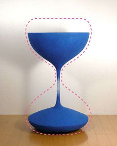 Frozen Time Furniture: The Moment Coffee Table is Shaped from the Sands of an Hourglass