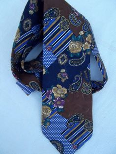 Kenzo jacquard silk vintage tie paisley geometric by CHEZELVIRE, $10.00 Neckties, Kenzo, Floral Tie, Paisley, Silk, Trending Outfits, Unique Jewelry, Etsy, Clothes