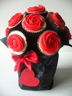 Red rose flower cupcake bouquet for valentine day