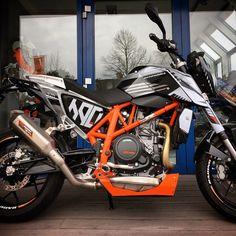 with loads of and a GFX kit I designed a while back. Ktm 690, Ktm Duke, Custom Bikes, Motorbikes, My Design, Arno, Scrambler, Kit, Street
