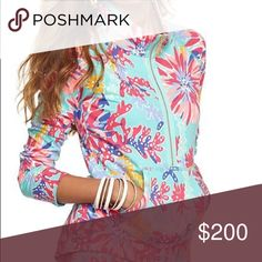 ISO trippin and sippin popover ISO size small trippin and sippin popover Lilly Pulitzer Tops
