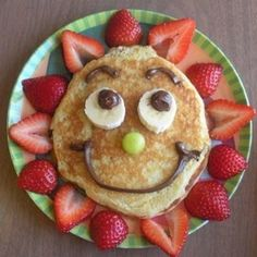 Crafty finds for your inspiration! – Just Imagine – Daily Dose of Creativity - Sunny Pancakes-birthday breakfast… something special to do for the boys on their birthdays - Food Art For Kids, Cooking With Kids, Children Food, Easy Cooking, Healthy Cooking, Cooking Tips, Healthy Food, Cute Food, Good Food