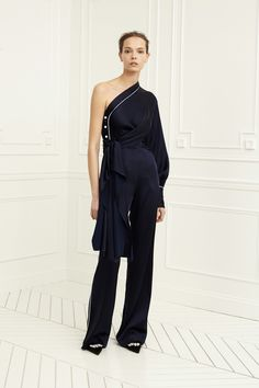 See the complete Jonathan Simkhai Pre-Fall 2017 collection.