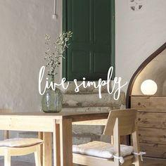 L I F E  S I M P L Y  Feliç dilluns! www.cansabe.com Can Sabé #cansabe #masiacansabe #livesimply #catalunyaexperience #turismerural #rural #corredor #montnegre #natura #masiacatalana Casa de campo, farmhouse