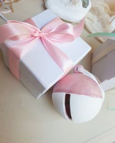 Gift Wrapping, Gifts, Fashion, Presents, Fashion Styles, Wrapping Gifts, Gifs, Fashion Illustrations, Trendy Fashion